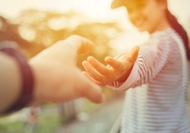 Unser Hände - ein Wunder, das Pflege verdient